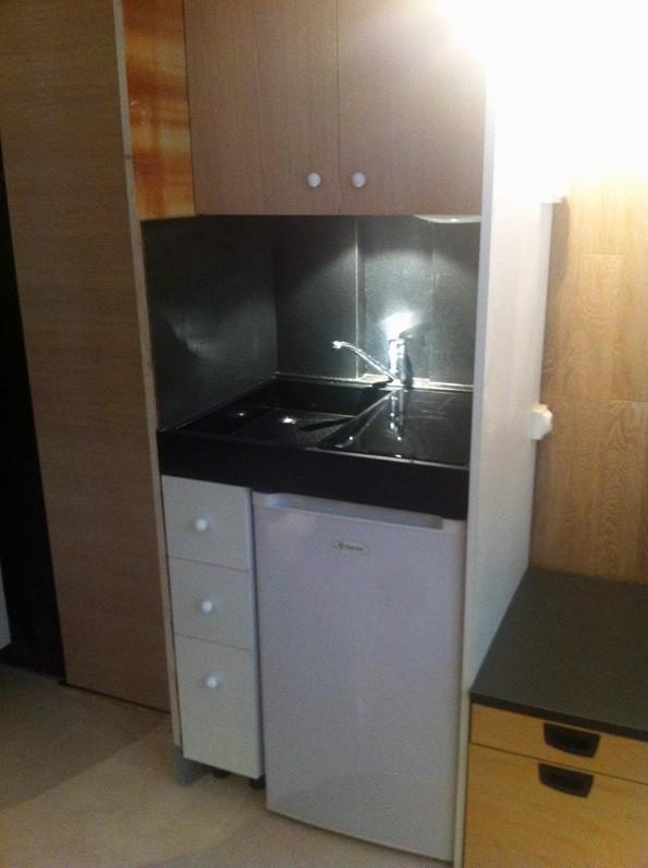 kitchenette 75x60. Black Bedroom Furniture Sets. Home Design Ideas