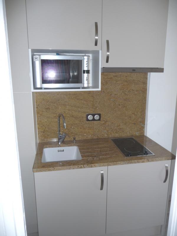 mini cuisine ibaneta blanc brillant cuisiniste paris ile de france. Black Bedroom Furniture Sets. Home Design Ideas