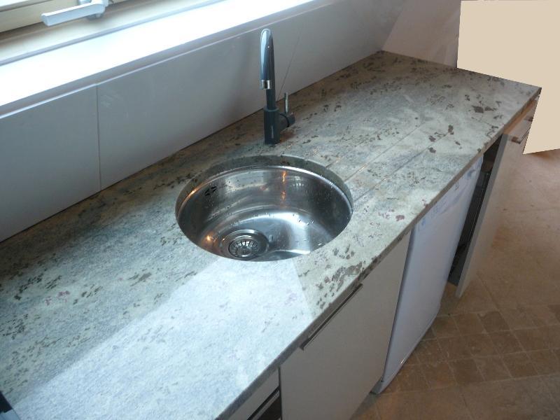 Granit vert eucaliptus cuisine paris ile de france for Plan de travail vert