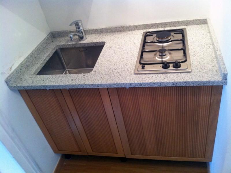 kitchenette sur mesure en granit cuisiniste paris ile de france. Black Bedroom Furniture Sets. Home Design Ideas