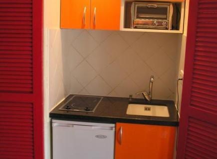 kitchenette orange