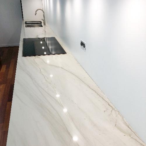 Plan de travail en granit Calacatta Boheme
