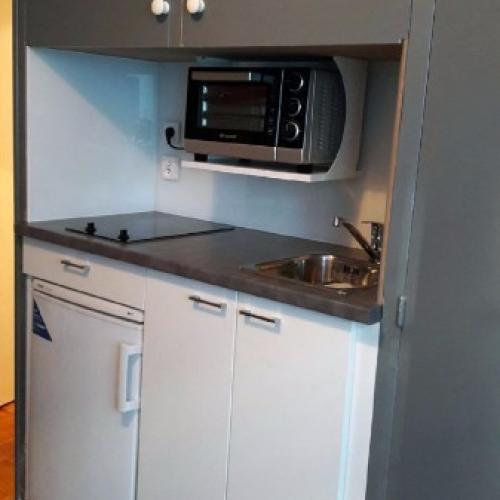Kitchenette dans un placard Paris 11e