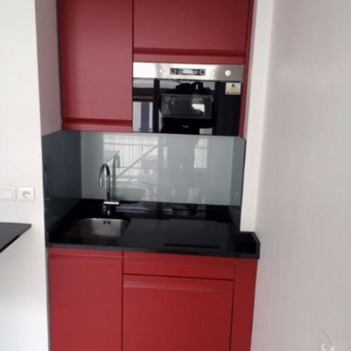 Kitchenette rouge Paris 11e