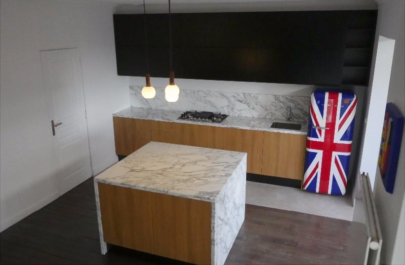 cuisine ilot central marbre. Black Bedroom Furniture Sets. Home Design Ideas