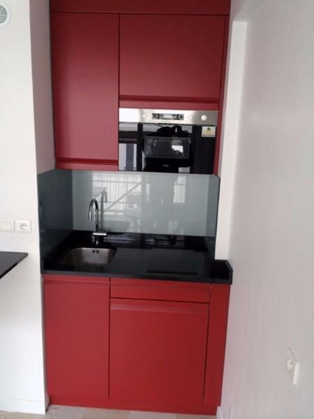 kitchenette rouge paris 11e cuisiniste paris ile de france. Black Bedroom Furniture Sets. Home Design Ideas